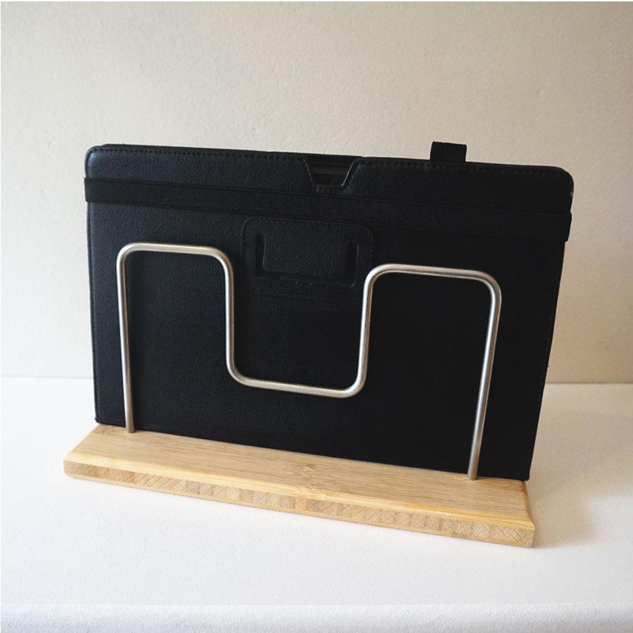 Tabletparkplatz für Tablets mit Hülle
